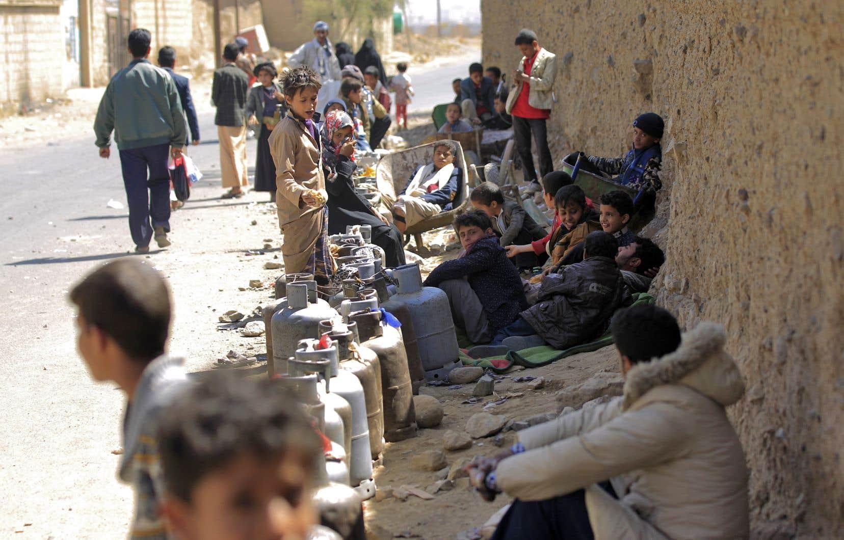 Le prix de l'essence etdes produits de première nécessité ne cesse d'augmenter à Sanaa.