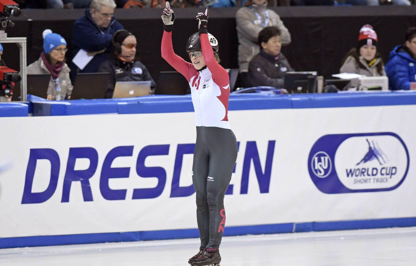 Kim Boutin à la suite de sa victoire au 1500m courte piste des championnats du monde à Dresden en Allemagne, en février dernier