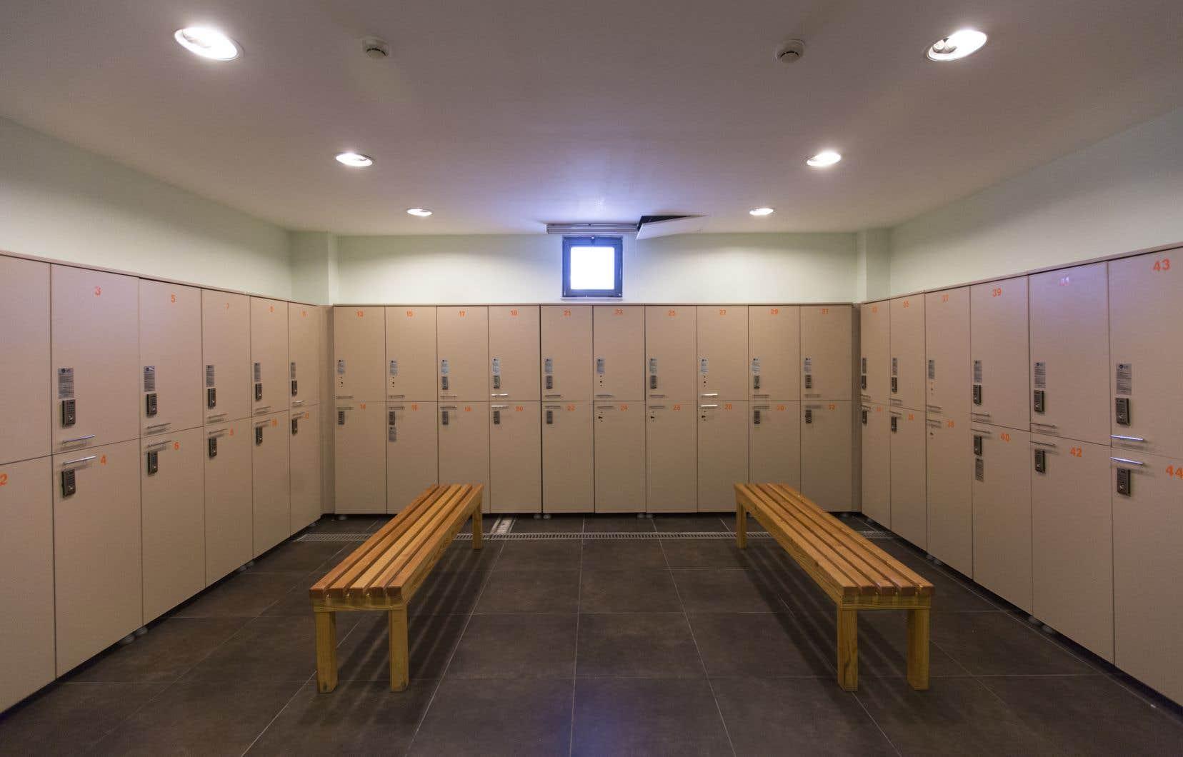 La Ville De Brossard Interdit La Nudité Dans Les. Tile Basement Floor. Basement Wall Panel System. Basement Apartments For Rent In Northern Va. Pella Basement Windows. Basement La. Basement Suites Edmonton. Interlocking Basement Flooring. The Basement Discs