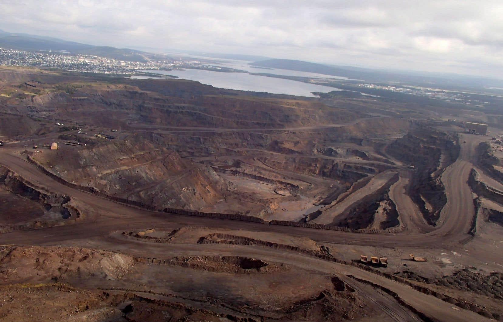 Le fond du dossier porte sur une réclamation de 900 millions par des Innus concernant différents projets miniers et d'infrastructures qui ont été développés sur le territoire du Nittassinan.