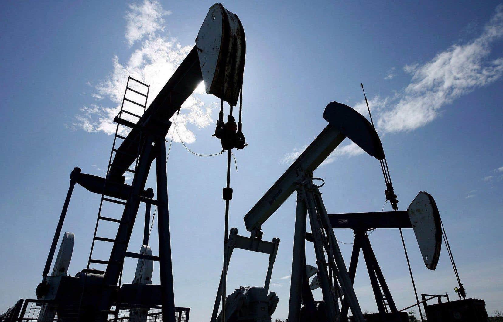 Dans l'industrie des produits du pétrole et du charbon, les ventes ont augmenté de 10,3% pour atteindre 5,5 milliards — une troisième hausse mensuelle de suite.