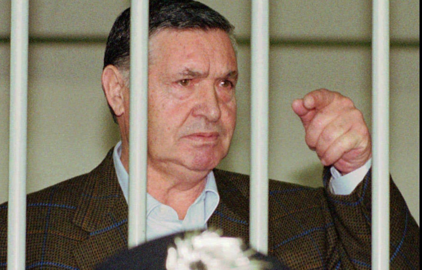 Toto Riina, qui purgeait 26 peines de détention à vie et aurait commandité plus de 150 meurtres, était ces derniers jours dans le coma.