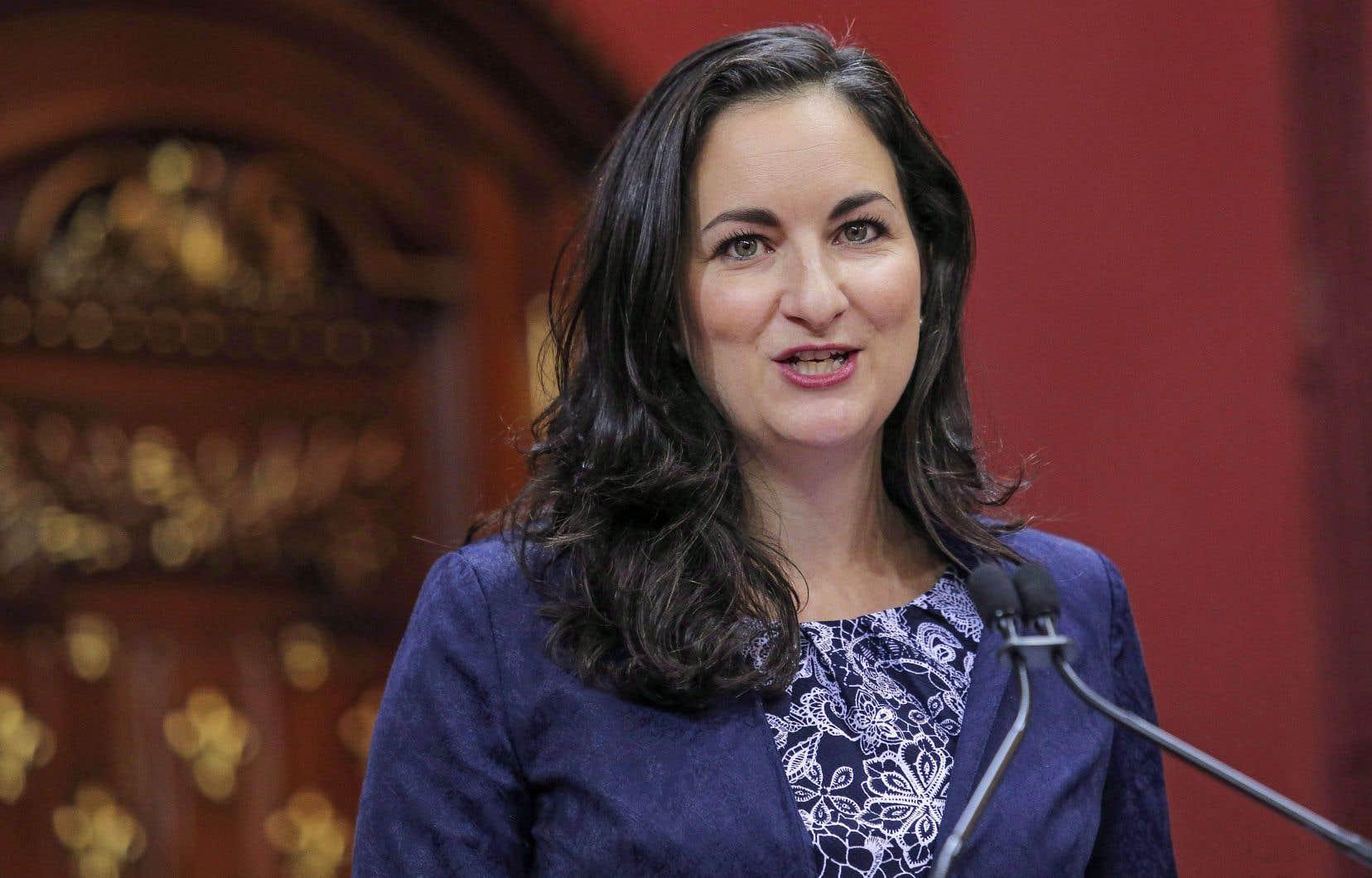 La nouvelle ministre de la Culture, Marie Montpetit, lors de son assermentation dans le Salon rouge de l'Assemblée nationale, le 11octobre dernier