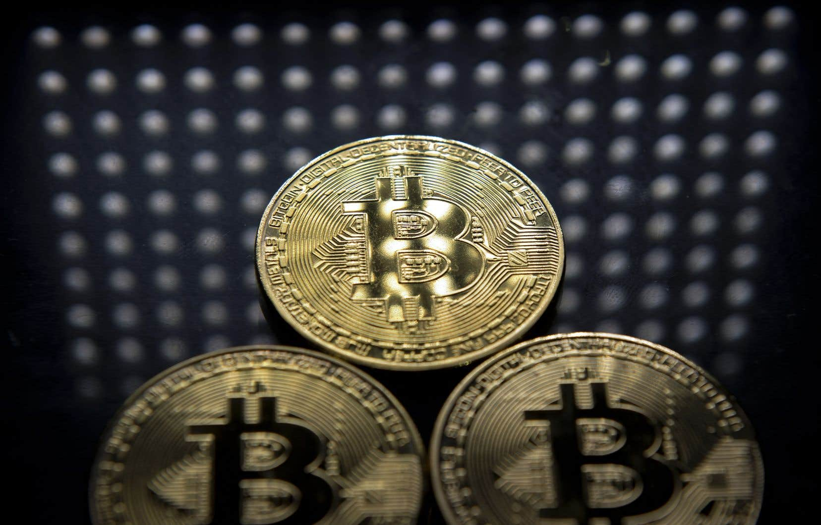 Le bitcoin est présent sur des plateformes d'échange spécifiques et non sur des marchés régulés.