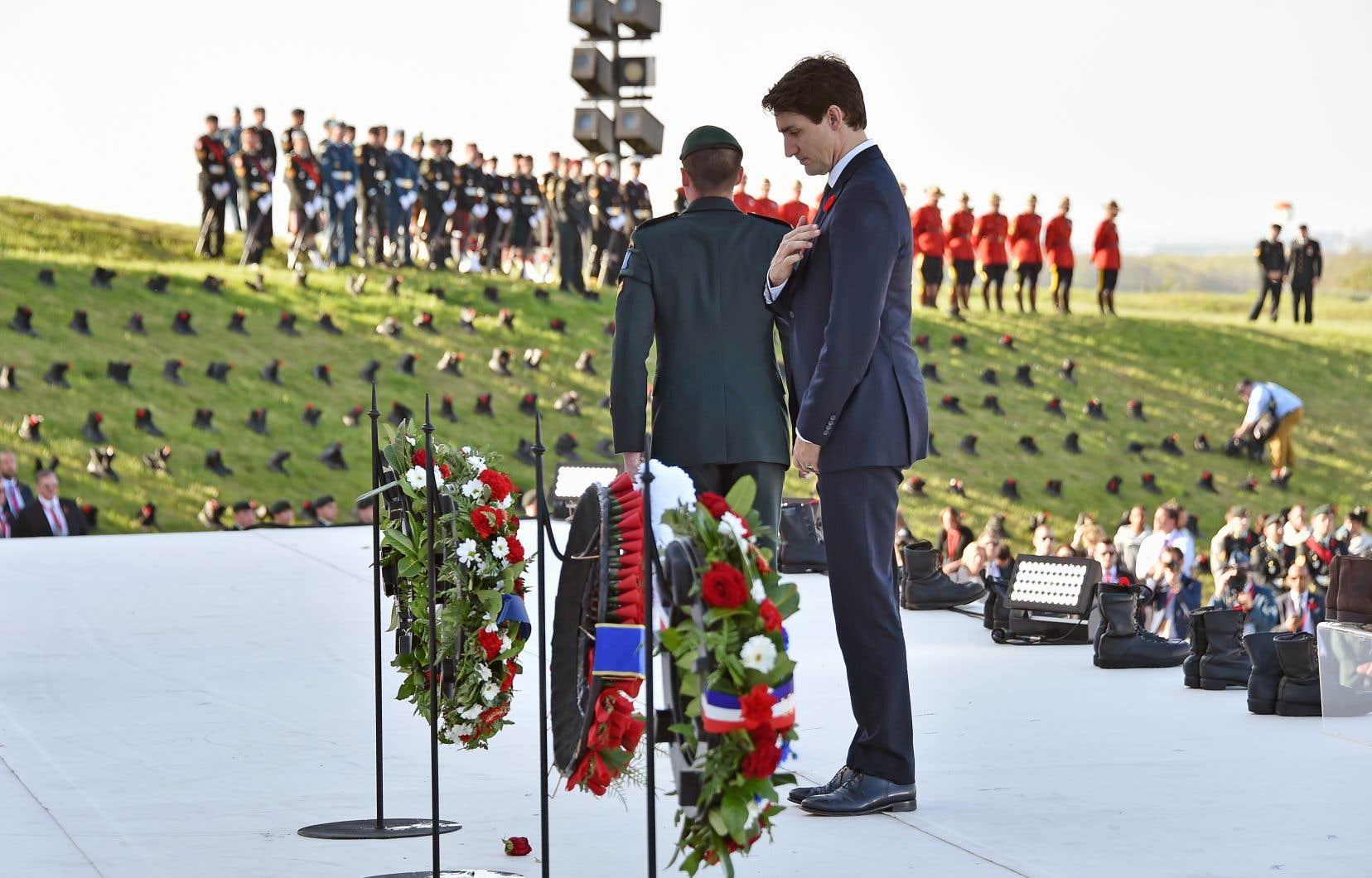 Le premier ministre Justin Trudeau lors de sa visite au Memorial national du Canada à Vimy pour le centenaire de la bataille de Vimy en avril 2017
