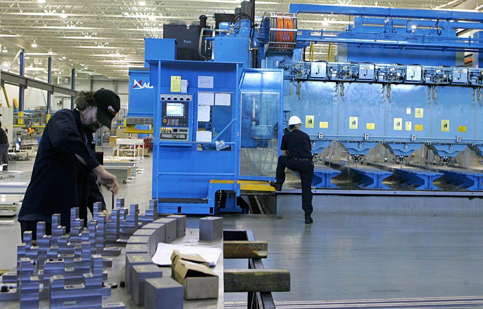 Les industries productrices de services connaissent une croissance de 3,1%, alors que les industries productrices de biens affichent une hausse de 2,2% par rapport à la même période de 2016.