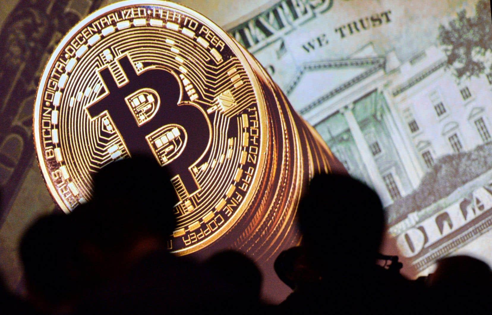 Après avoir atteint 11150$US, le cours du bitcoin a ensuite chuté brutalement à 9643$US, soit une baisse de plus de 15% en quelques heures.