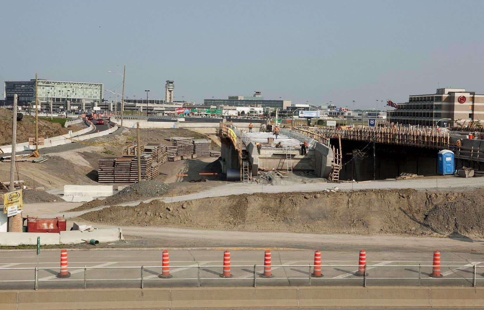 Le chantier de l'autoroute 20, près de l'aéroport, en 2011