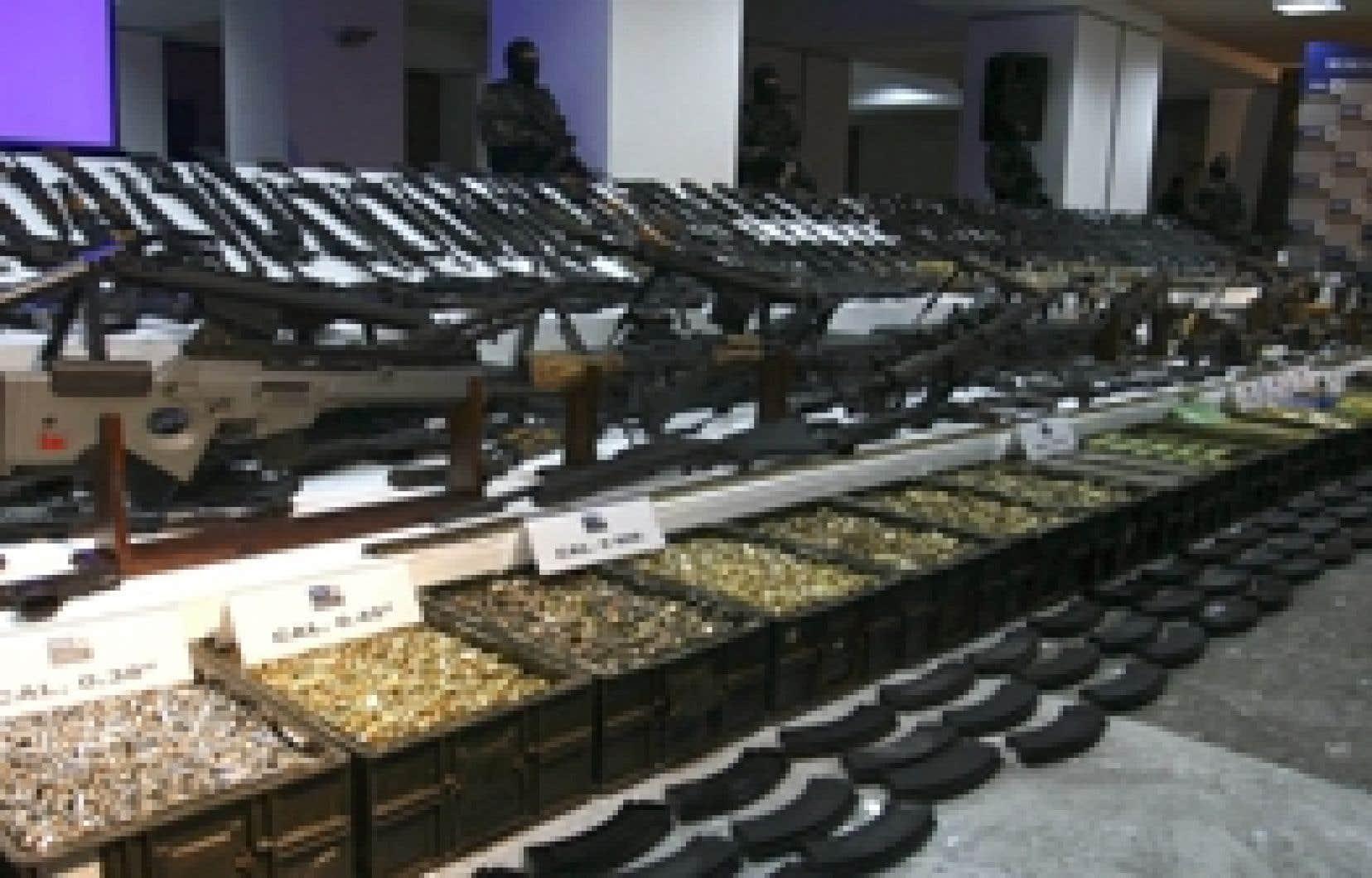 Une partie des armes trouvées lors de l'opération de l'armée mexicaine.