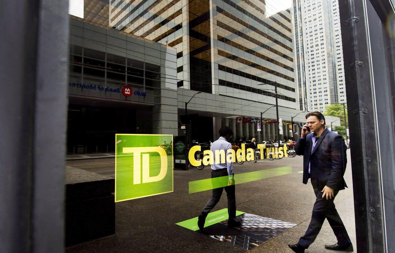 L'action de la Banque TD a reculé de 2,4% pour clôturer jeudi à 73,24$ à la Bourse de Toronto.