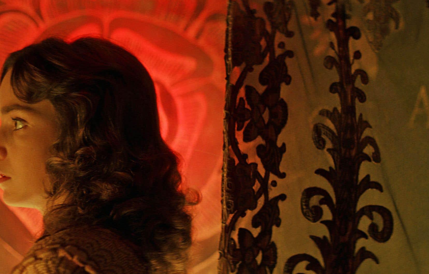 L'un des derniers films tournés en Technicolor, «Suspiria» affiche, à dessein, une palette de primaires riches anormalement saturée. Il en résulte une vision opulente, pleine de débordements sanguinolents et d'ostentation technique.