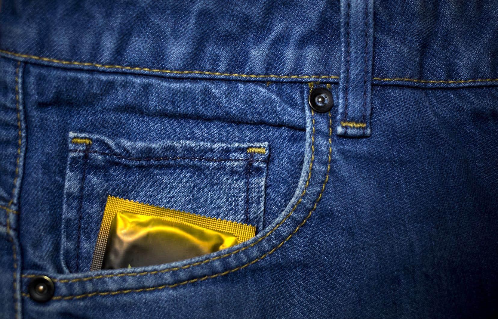 Une personne séropositive qui utiliserait un condom ne serait plus sujette à poursuite, selon le vœu d'Ottawa.