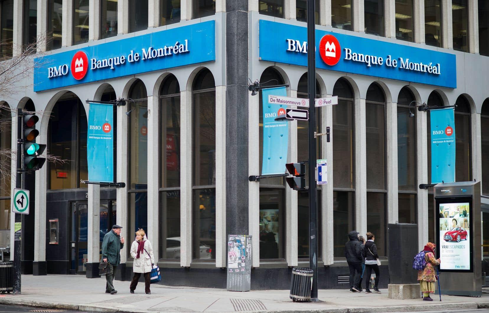 Pour l'exercice, la Banque de Montréal a comptabilisé un bénéfice de 5,35milliards, soit 7,92$ par action, en hausse par rapport à celui de 4,63milliards de l'exercice précédent, ou 6,92$ par action.
