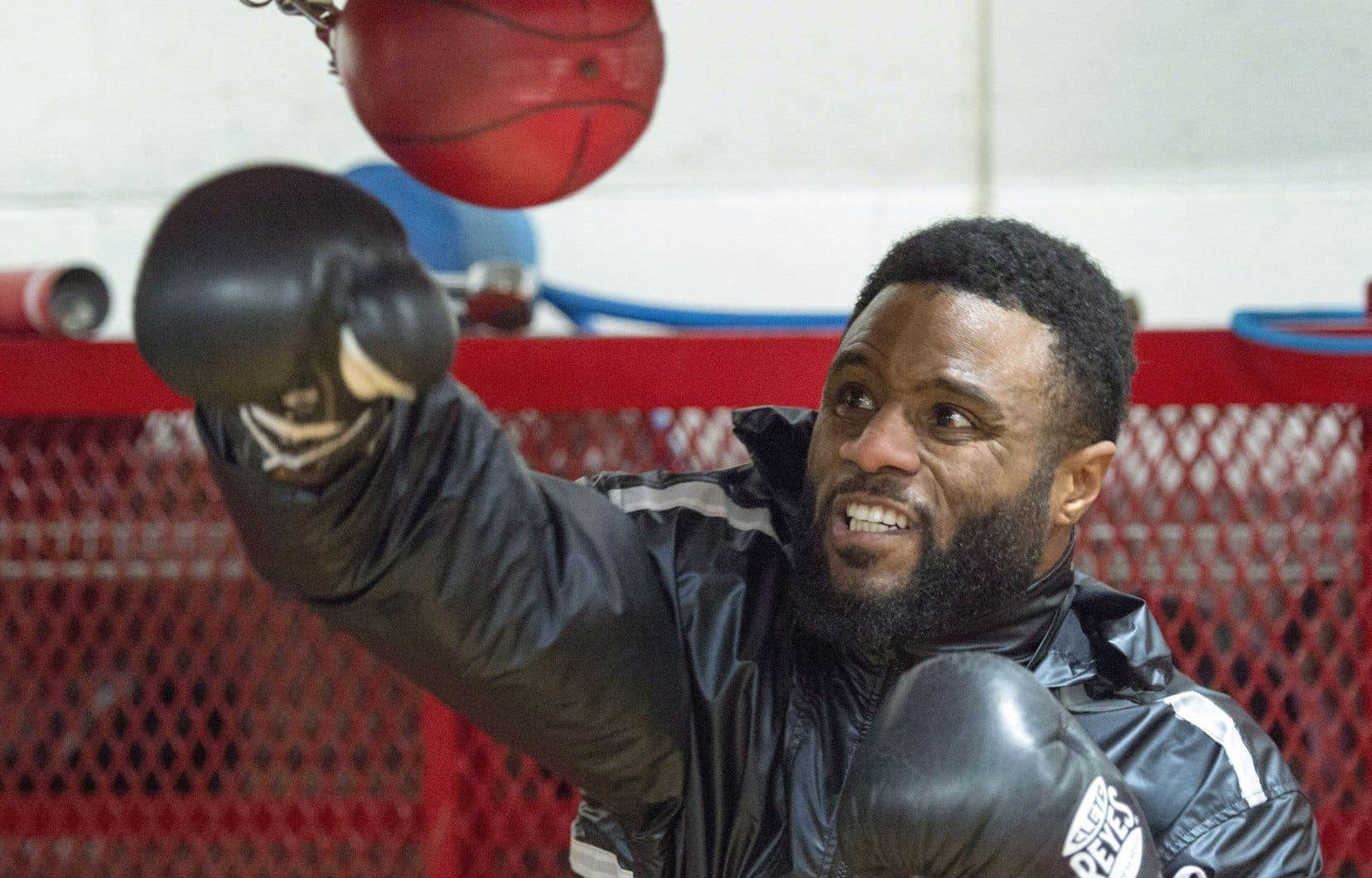Jean Pascal met la dernière touche à sa préparation en vue de son combat contre Ahmed Elbiali prévu vendredi à Miami.