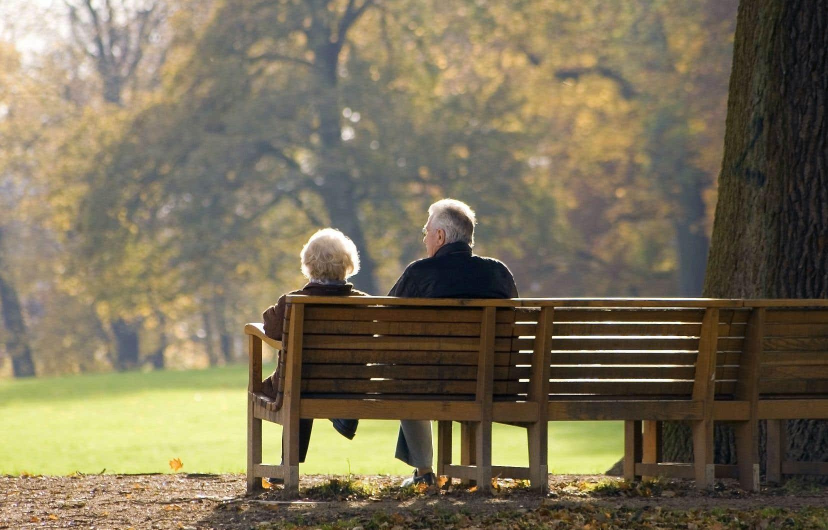 Le Canada est l'un des huit pays de l'OCDE où plus de 40% des travailleurs ont accès à des régimes complémentaires de retraite privés.