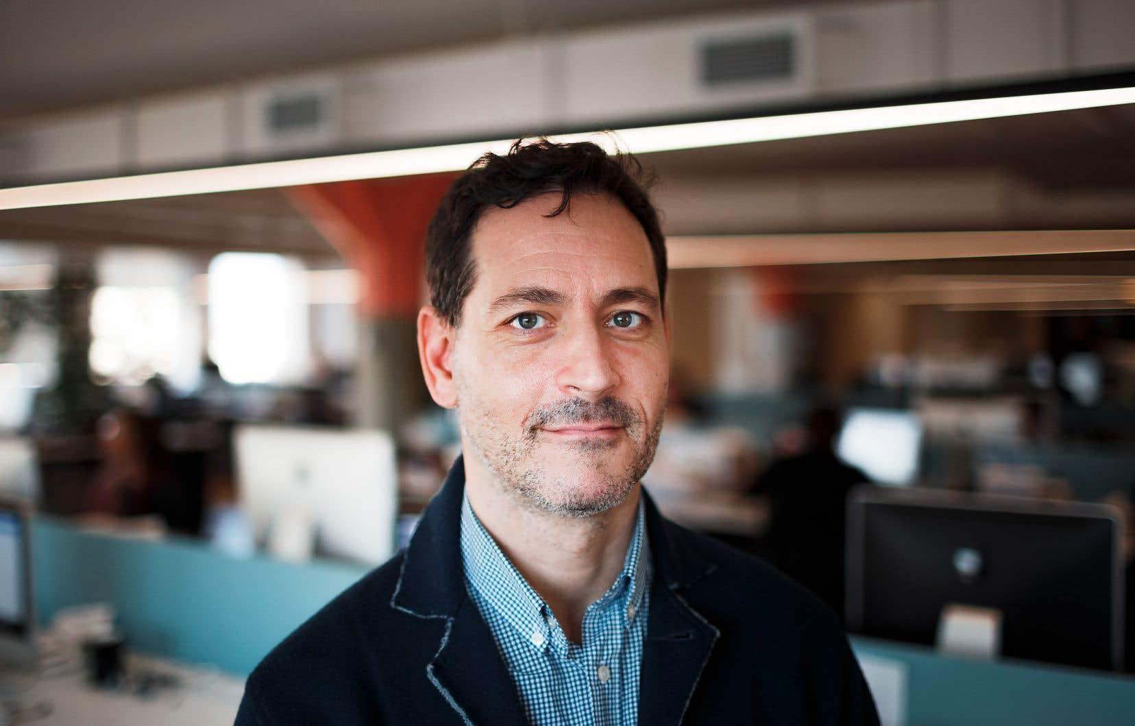 Le journaliste, diplômé en politique européenne à Oxford, est né dans l'ouest de Montréal, pas très loin du métro Snowdon et de Westmount.