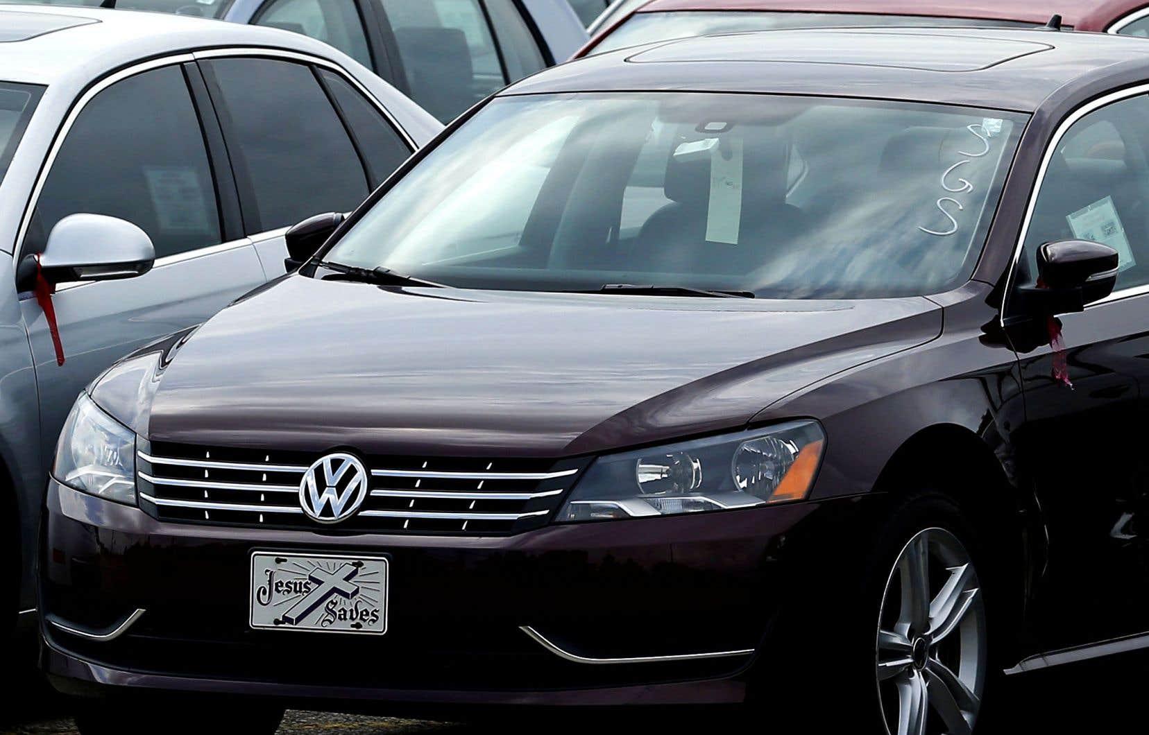 Aux États-Unis, Volkswagen a déjà dû débourser plus de 22milliards de dollars pour réparer ou racheter près de 600000 voitures incriminées.