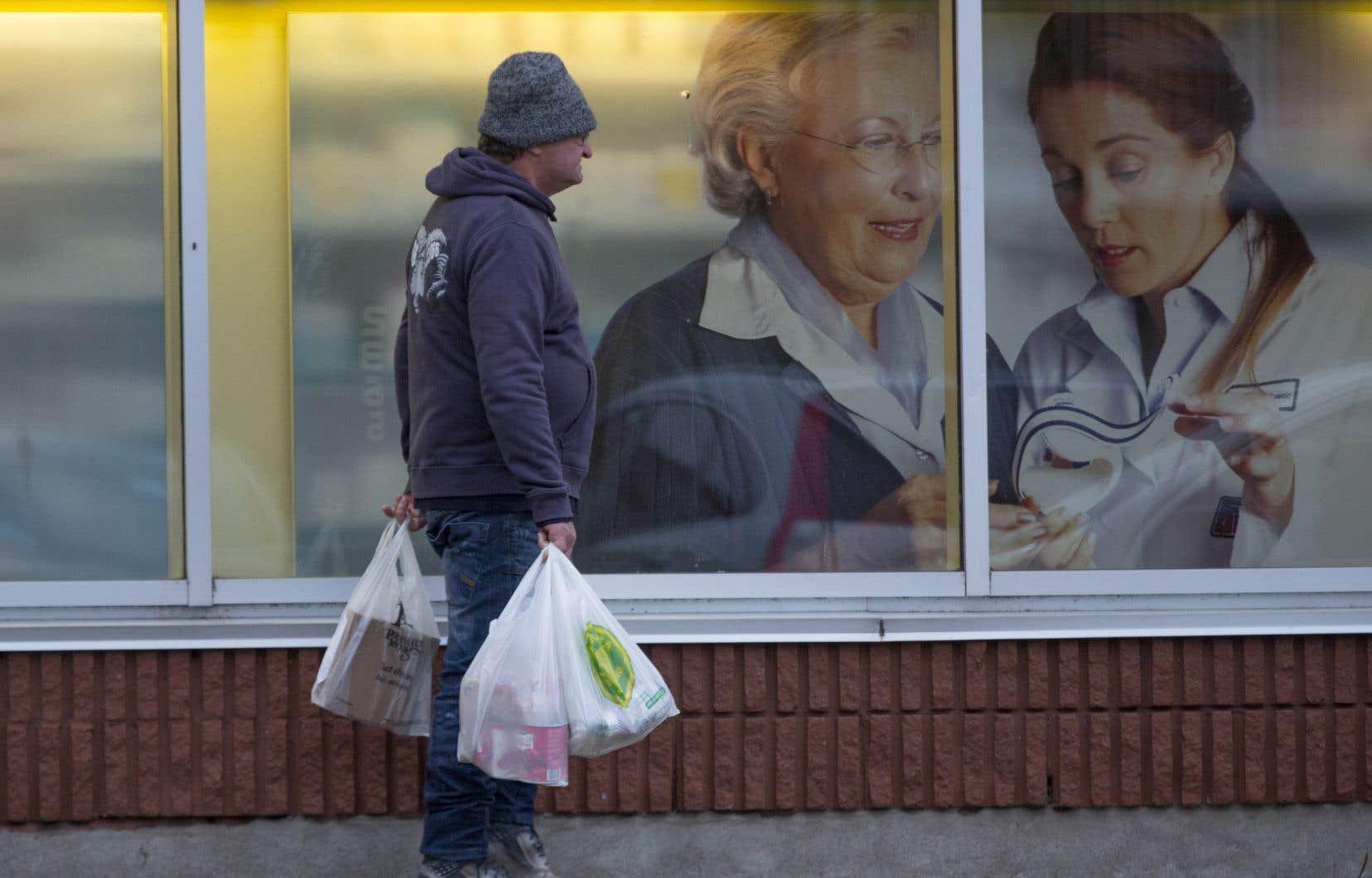 Les sacs en plastique ultraminces sont appelés à disparaître à Montréal. C'est du moins le vœu de l'administration municipale.