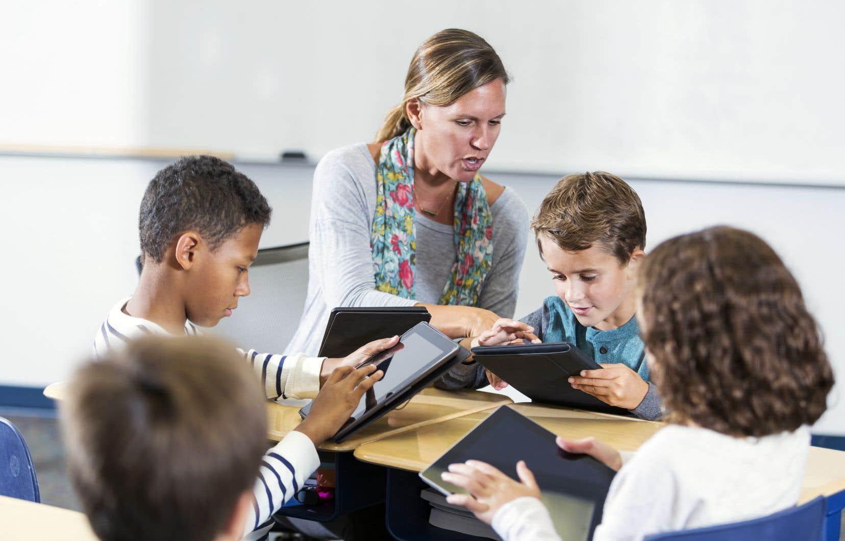 Faire croire que la prédominance féminine dans la profession enseignante jouerait d'une quelconque manière dans les difficultés scolaires ou les choix de carrière des garçons relève de la malhonnêteté intellectuelle.
