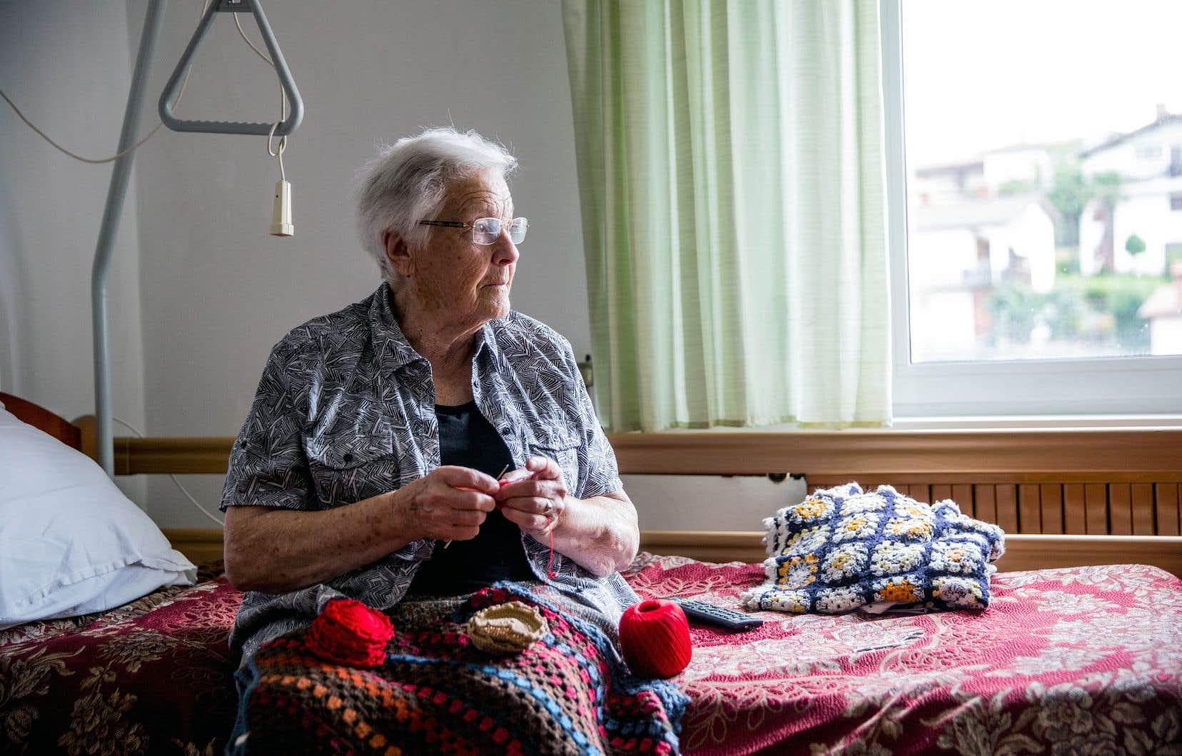 Selon les chiffres de la Coalition avenir Québec, en date du mois d'octobre, seulement 50% des résidences privées pour aînés étaient munies de gicleurs.