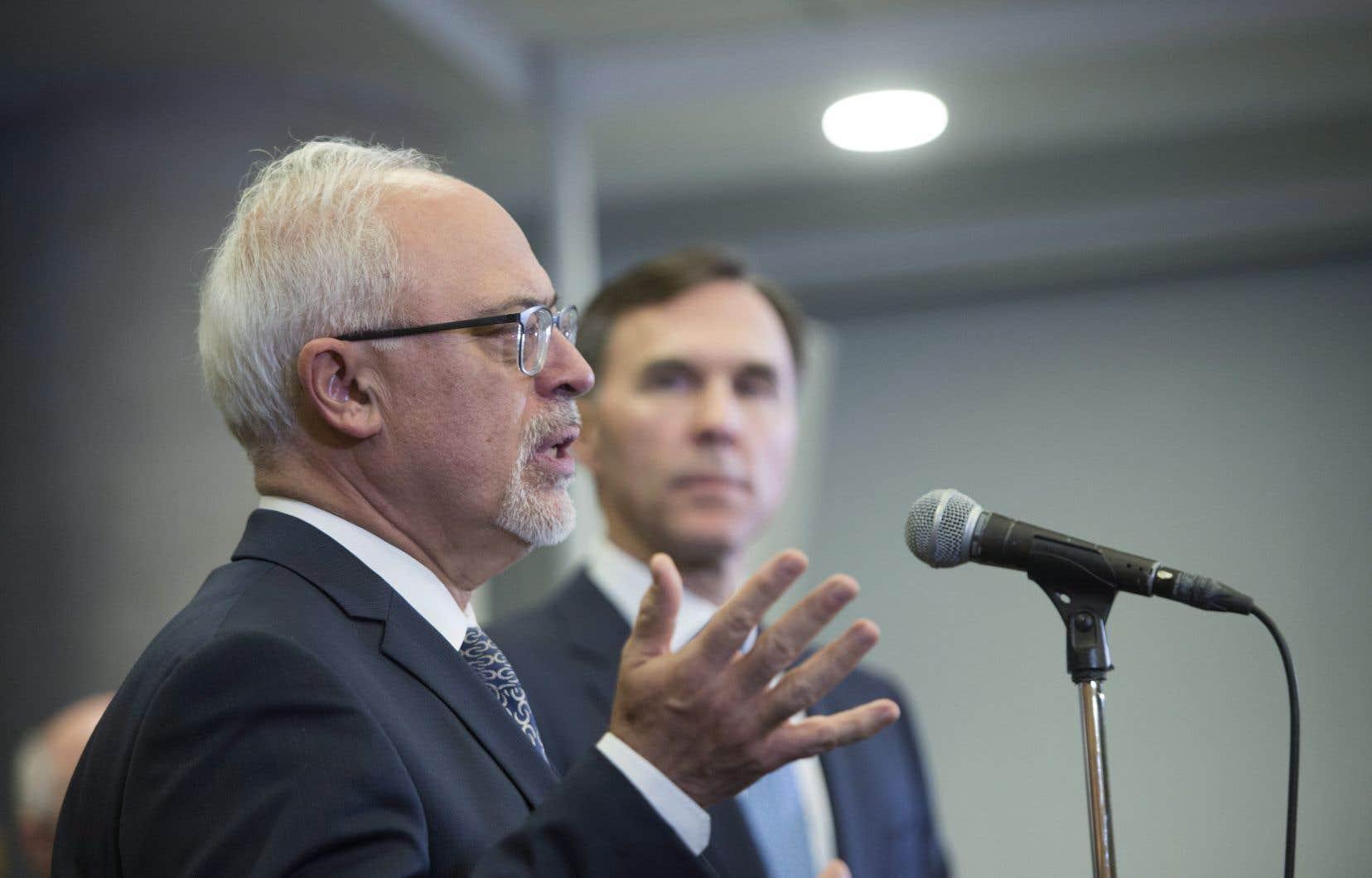 Les ministres des Finances Carlos Leitão et Bill Morneau
