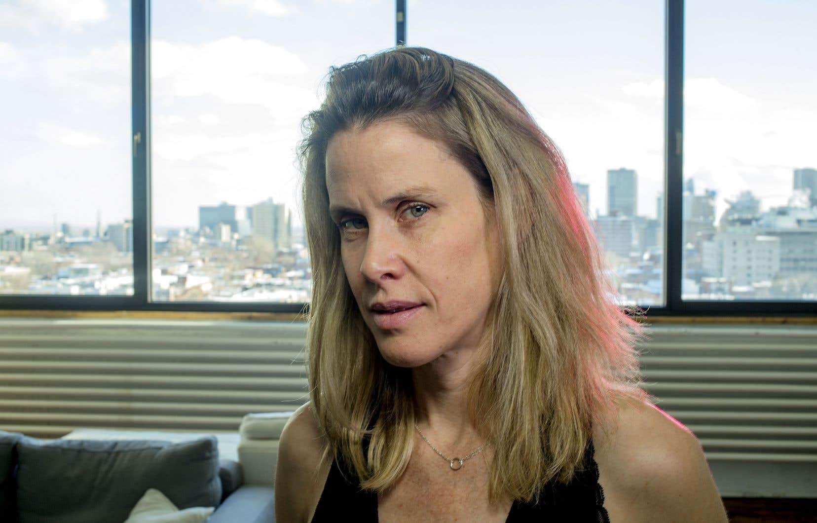 La dramaturge Annabel Soutar annonce qu'elle a l'intention de traduire la pièce en anglais pour la jouer au Canada anglais.
