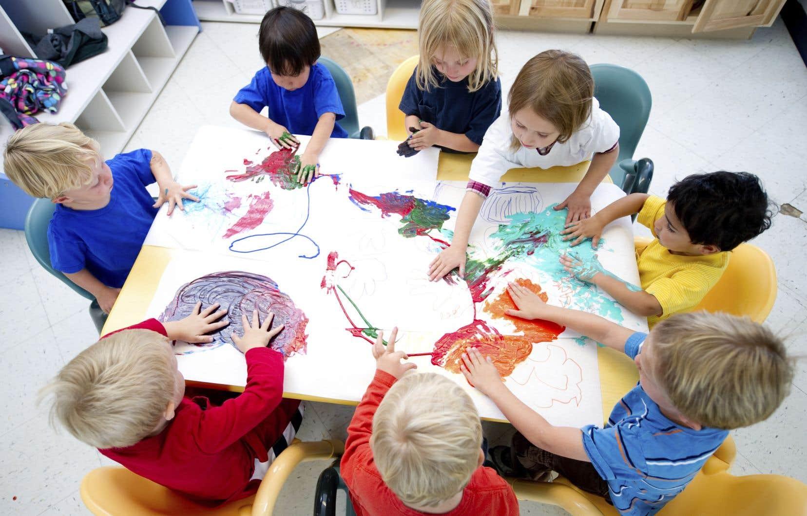 Un CPE qui a un permis pour 80 places va inscrire 83 enfants, misant sur le fait qu'il va toujours y avoir quelques absents.