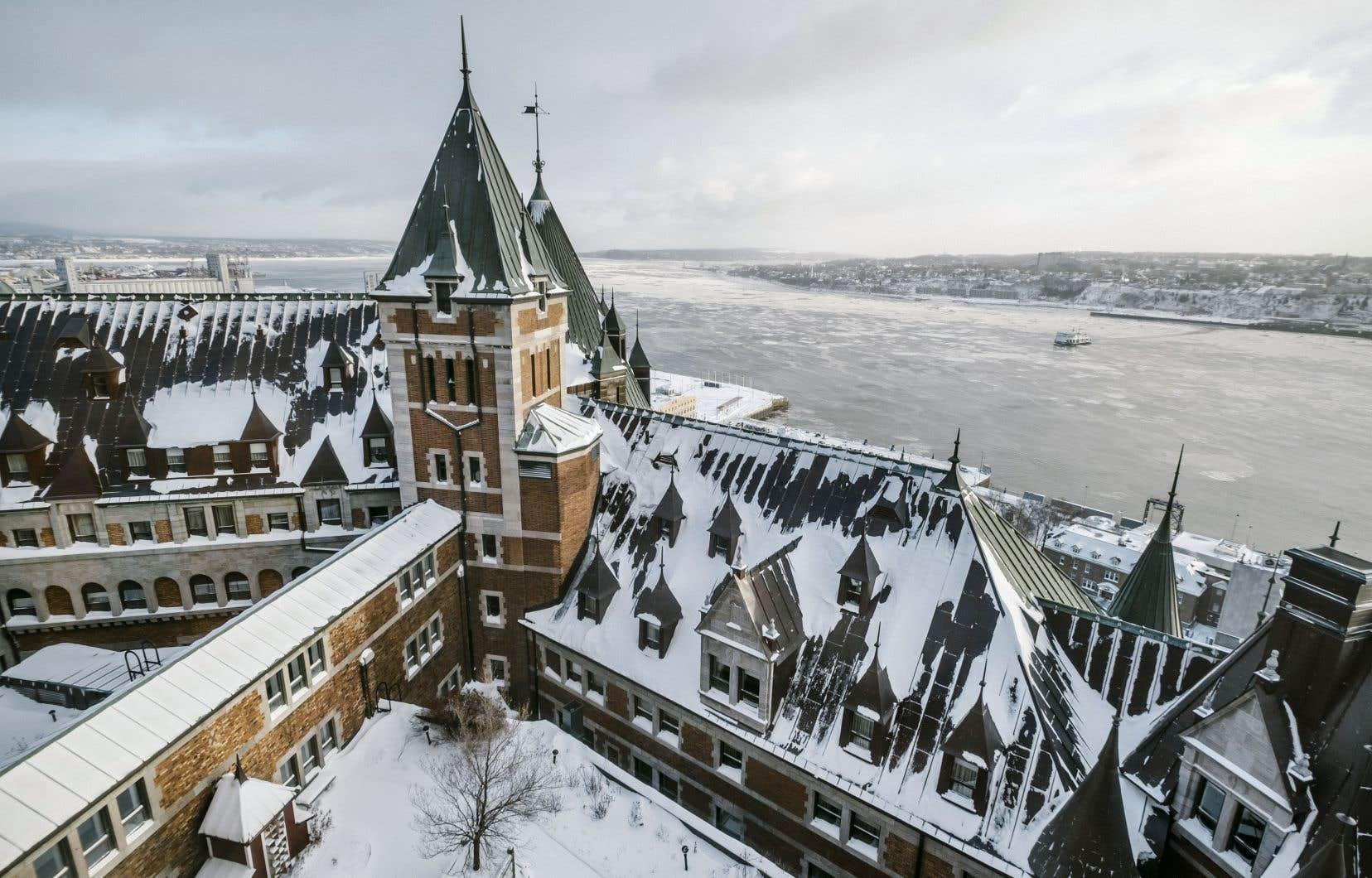 Le Château Frontenac domine le Vieux-Québec depuis son ouverture officielle le 18décembre 1892.