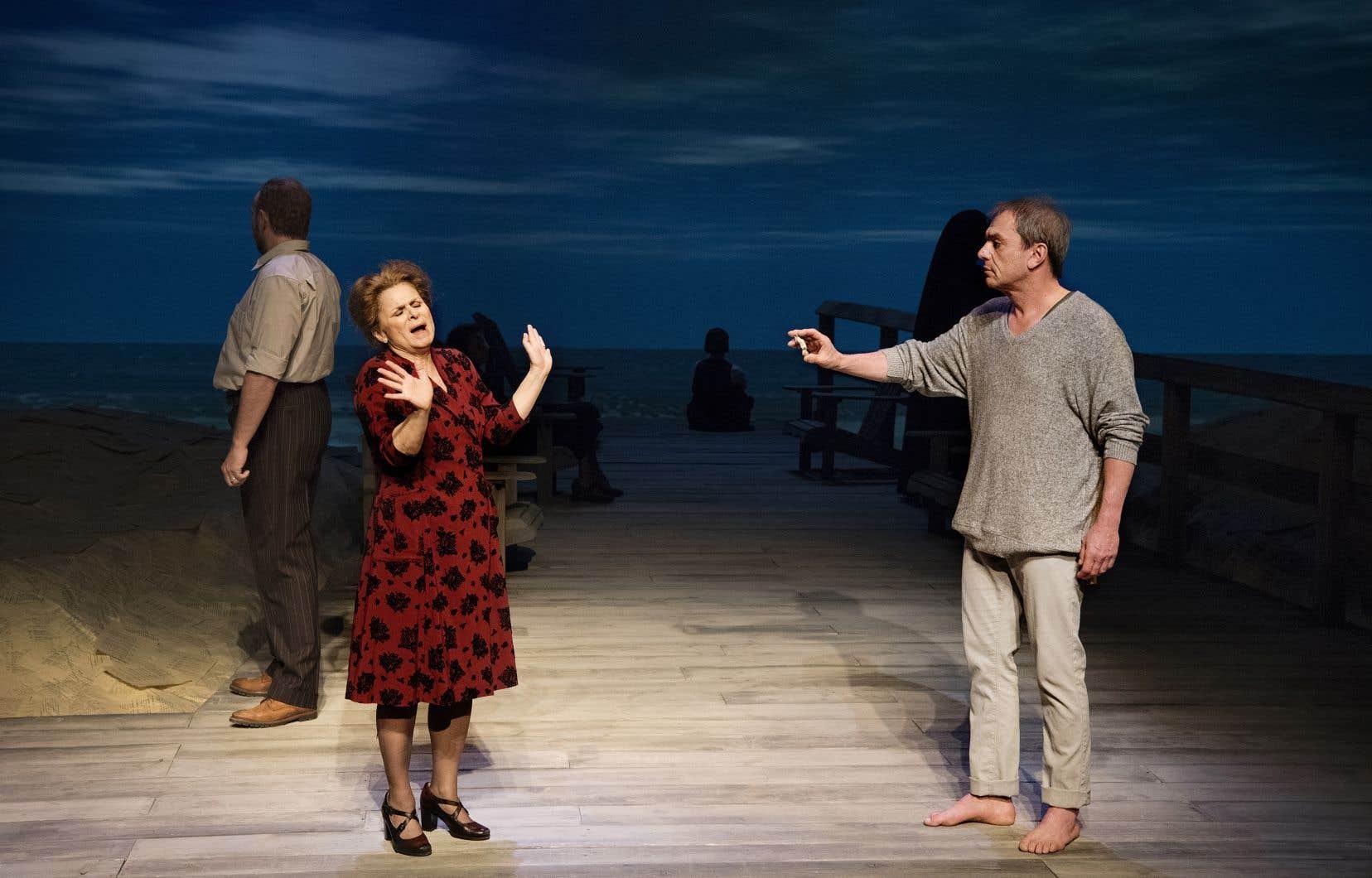 Dans le rôle de Nana, Guylaine Tremblay affiche avec aisance l'exubérance et la franchise de la célèbre mère de l'écrivain.