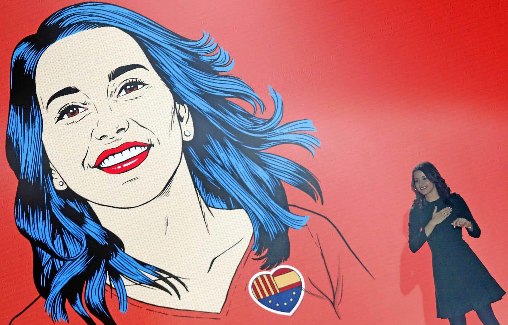 Inés Arrimadas, qui dirige le parti Ciutadans, milite pour l'abolition de l'enseignement en catalan seulement.