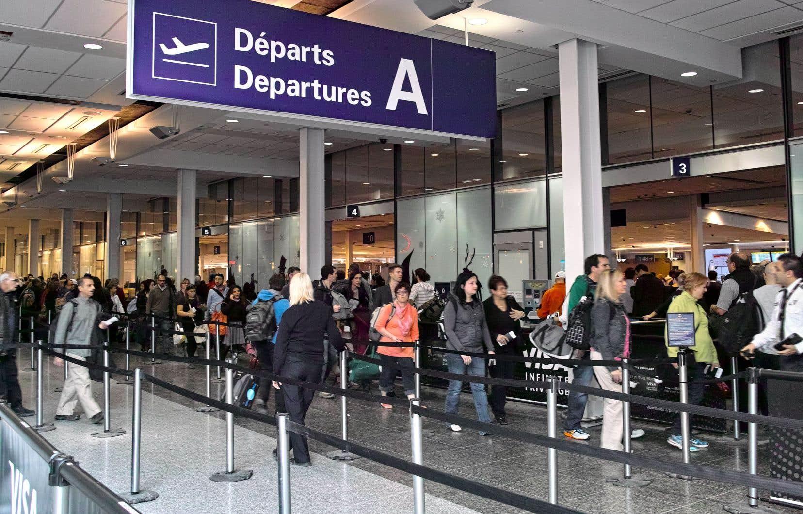 De Montréal, un habitant de Detroit a décollé avec plus de deux heures de retard pour se retrouver bloqué à Toronto.