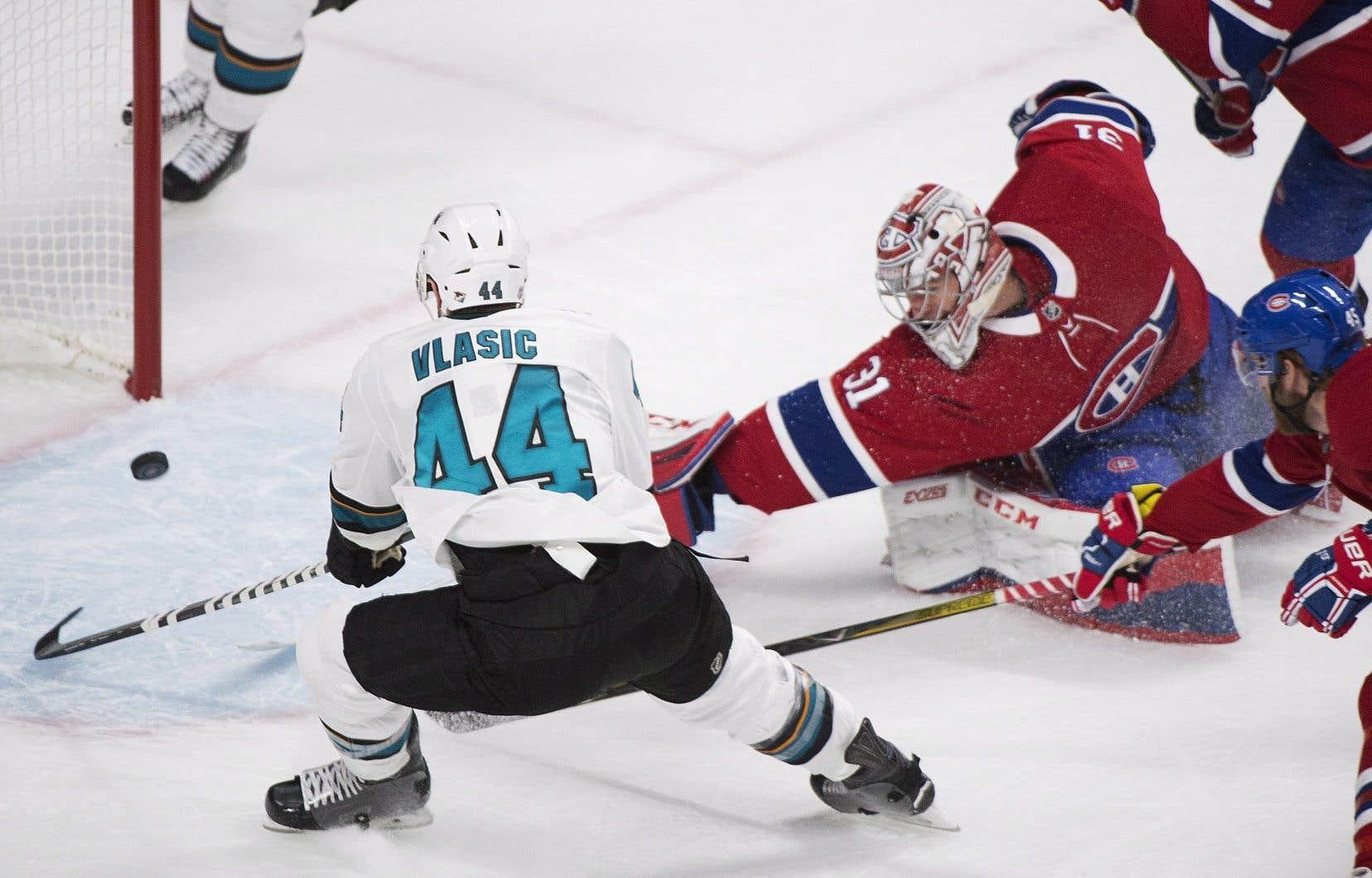 Le défenseur des Sharks Marc-Édouard Vlasic a récolté un but et une mention d'aide.