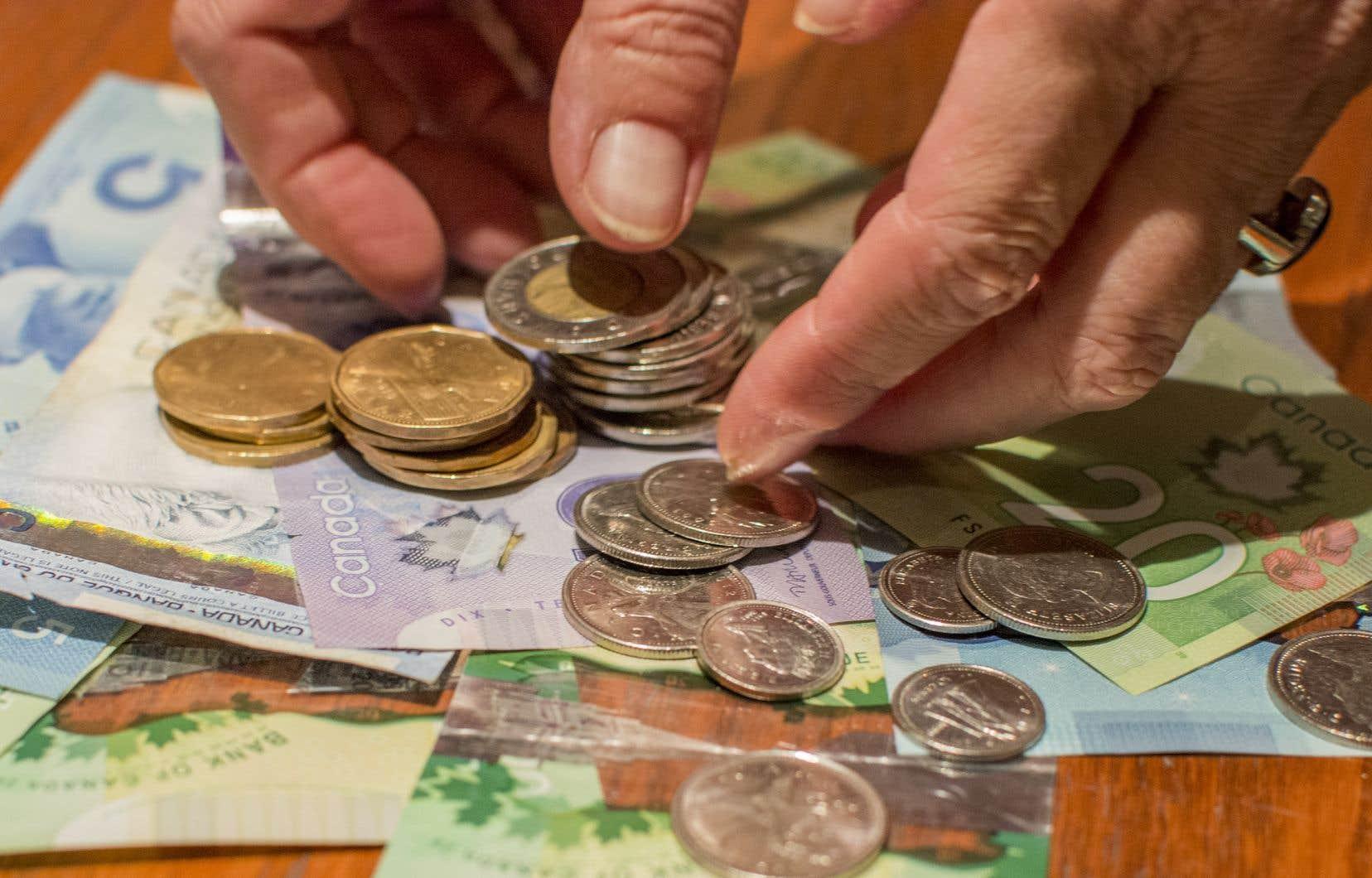 Au Québec, le salaire minimum est actuellement de 11,25$ par heure.