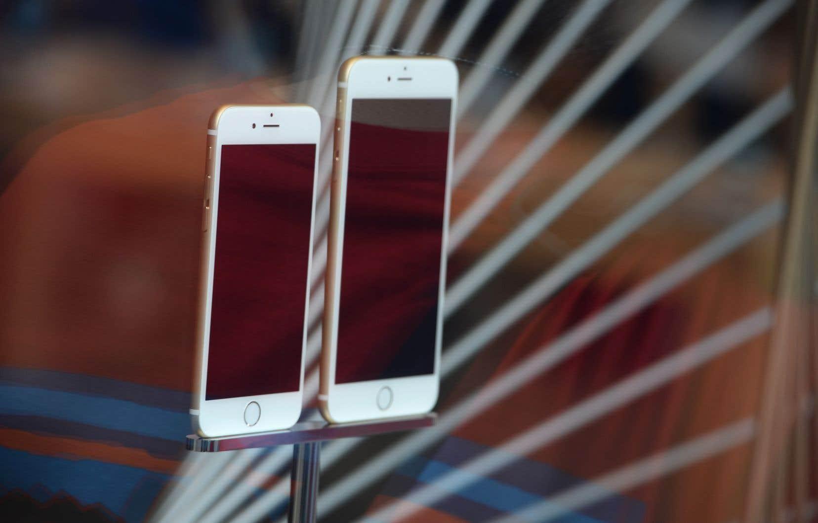 Apple a récemment reconnu avoir ralenti le rendement de certains iPhone pour sauvegarder les piles des appareils.