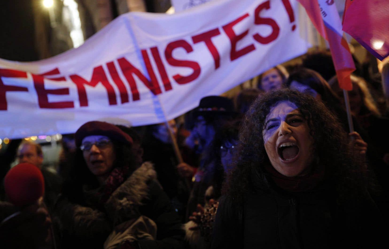 Les initiatives du gouvernement ne doivent pas être utilisées pour museler les groupes féministes qui militent depuis plusieurs décennies pour la défense des droits des femmes victimes de violence, estime l'auteur.