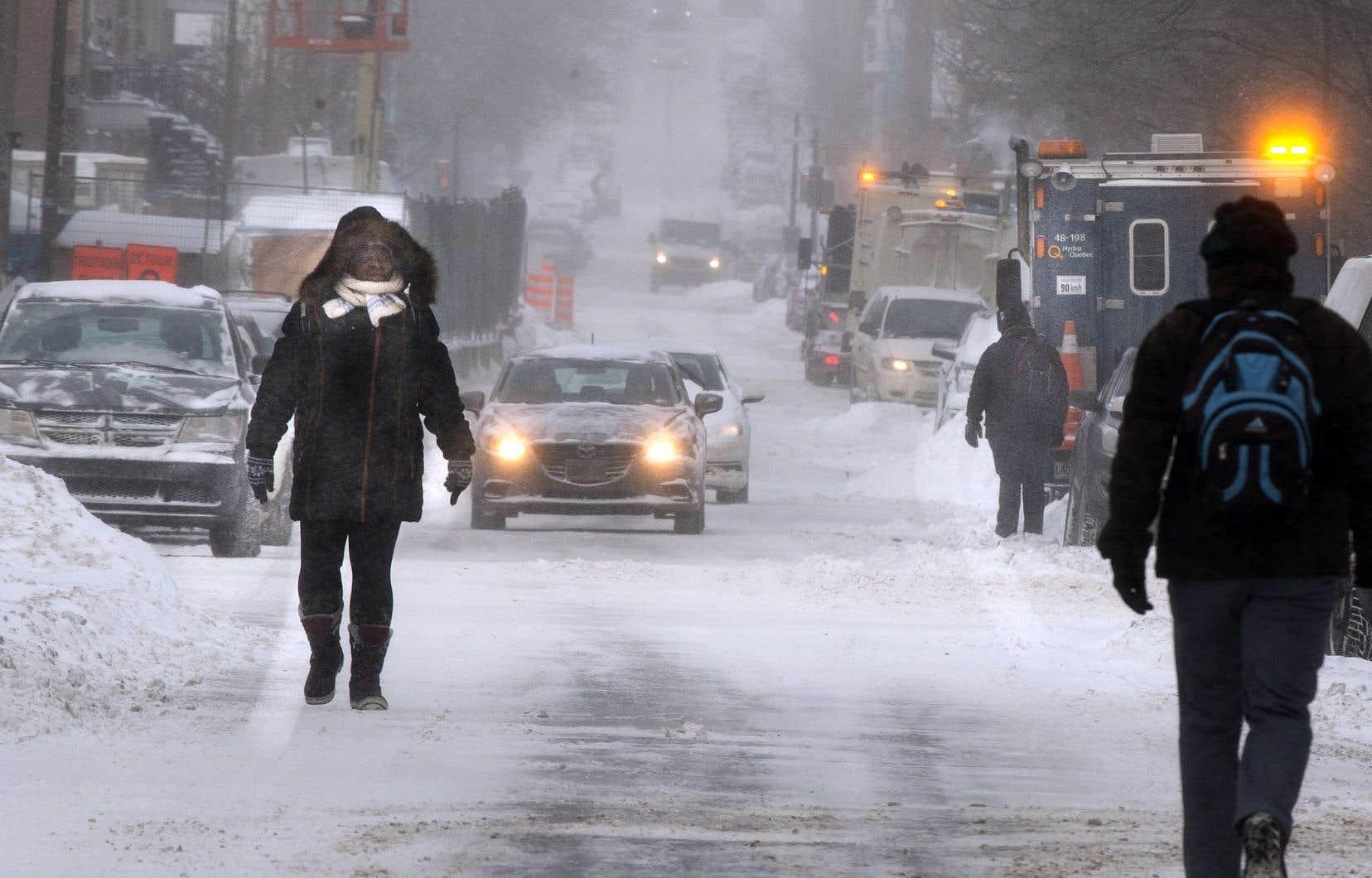 Montréal a bien reçu quelques centimètres de neige durant la tempête, mais c'est surtout le retour du froid qui est frappant.