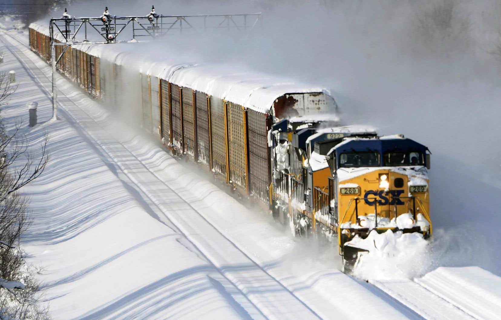 CN et CP n'auraient atteint en 2017 que 38% de leur capacité en transportant de 35 000 à 40 000 wagons complets, comparativement à 110 000 wagons complets au cours de leur apogée en 2014.