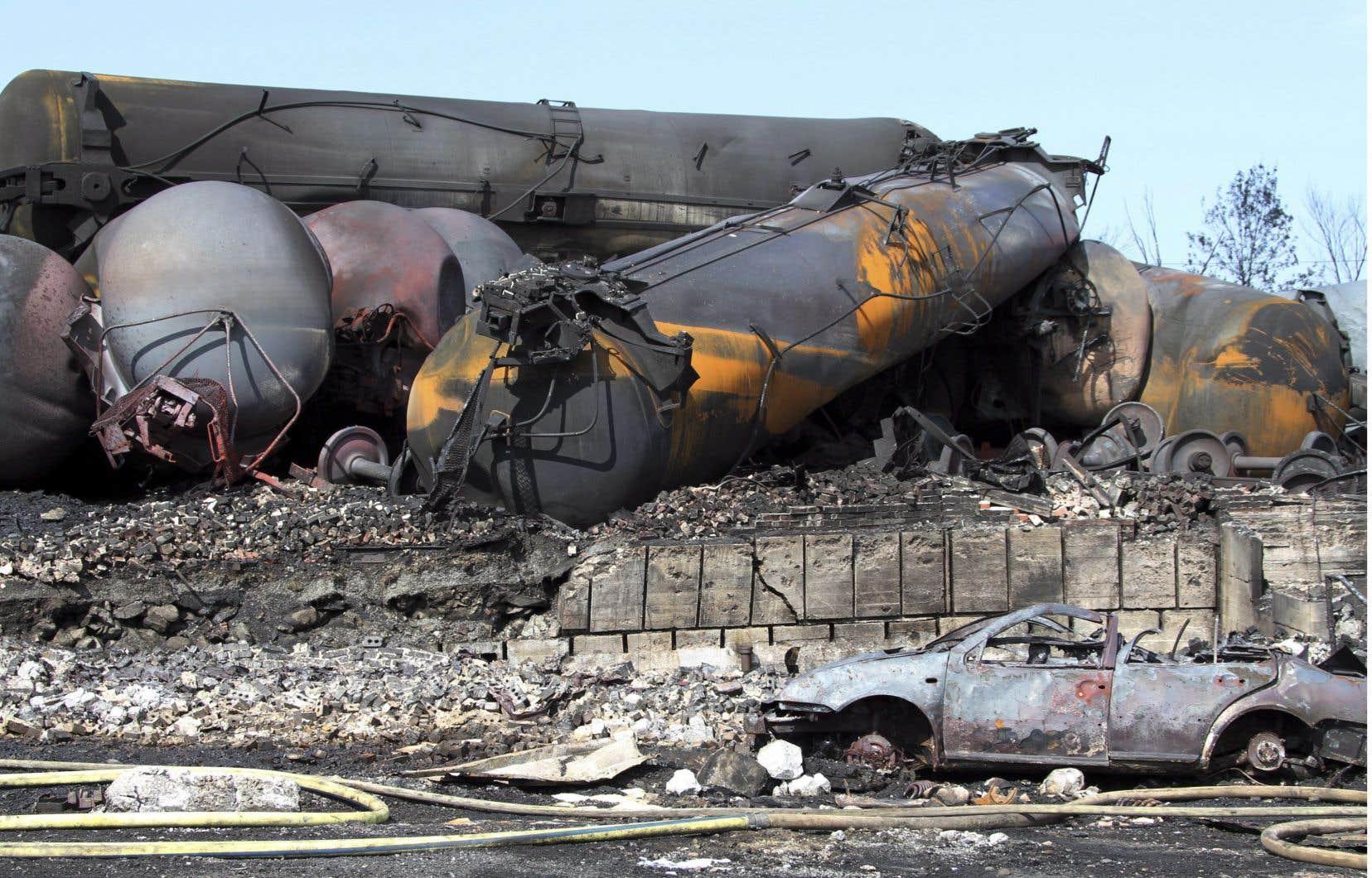 Le 6 juillet 2013, un convoi de 72 wagons de pétrole brut s'était mis en mouvement sans intervention humaine et avait dévalé la pente menant à Lac-Mégantic, explosant et rasant une partie du centre-ville.