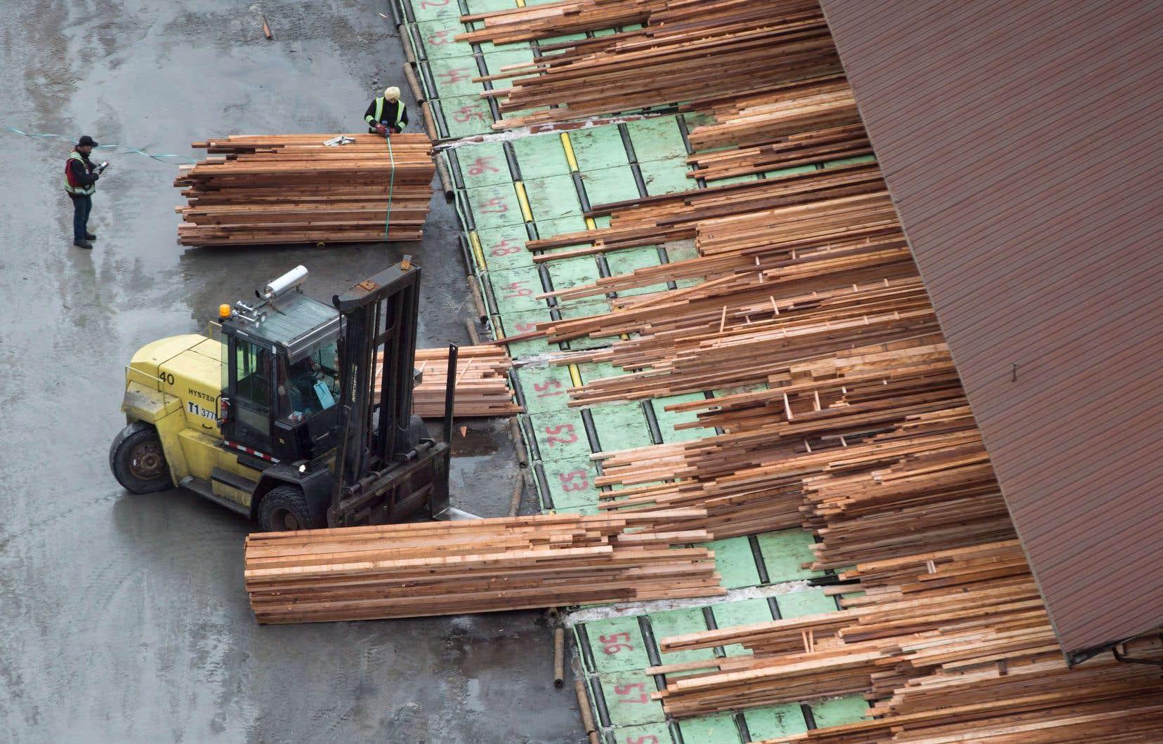 Depuis l'an dernier, le bois d'œuvre canadien est frappé par des droits compensateurs et antidumping préliminaires.