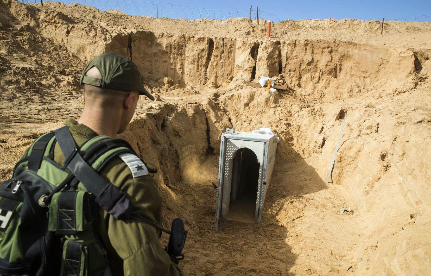 Une fois les travaux terminés, la barrière de béton enfouie dans le sol s'étendra sur une distance de 65 kilomètres.