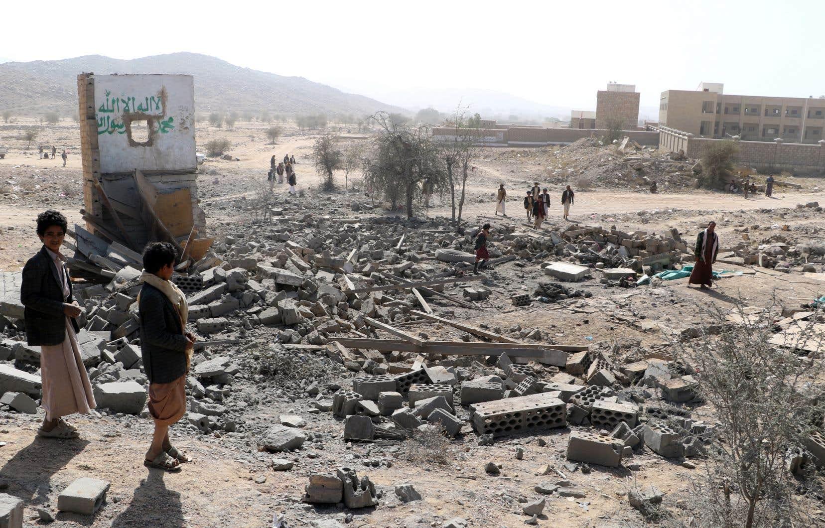 Le Yémen, pays le plus pauvre du Moyen-Orient, est le théâtre d'un conflit qui a fait plus de 9200 morts et près de 53 000 blessés.