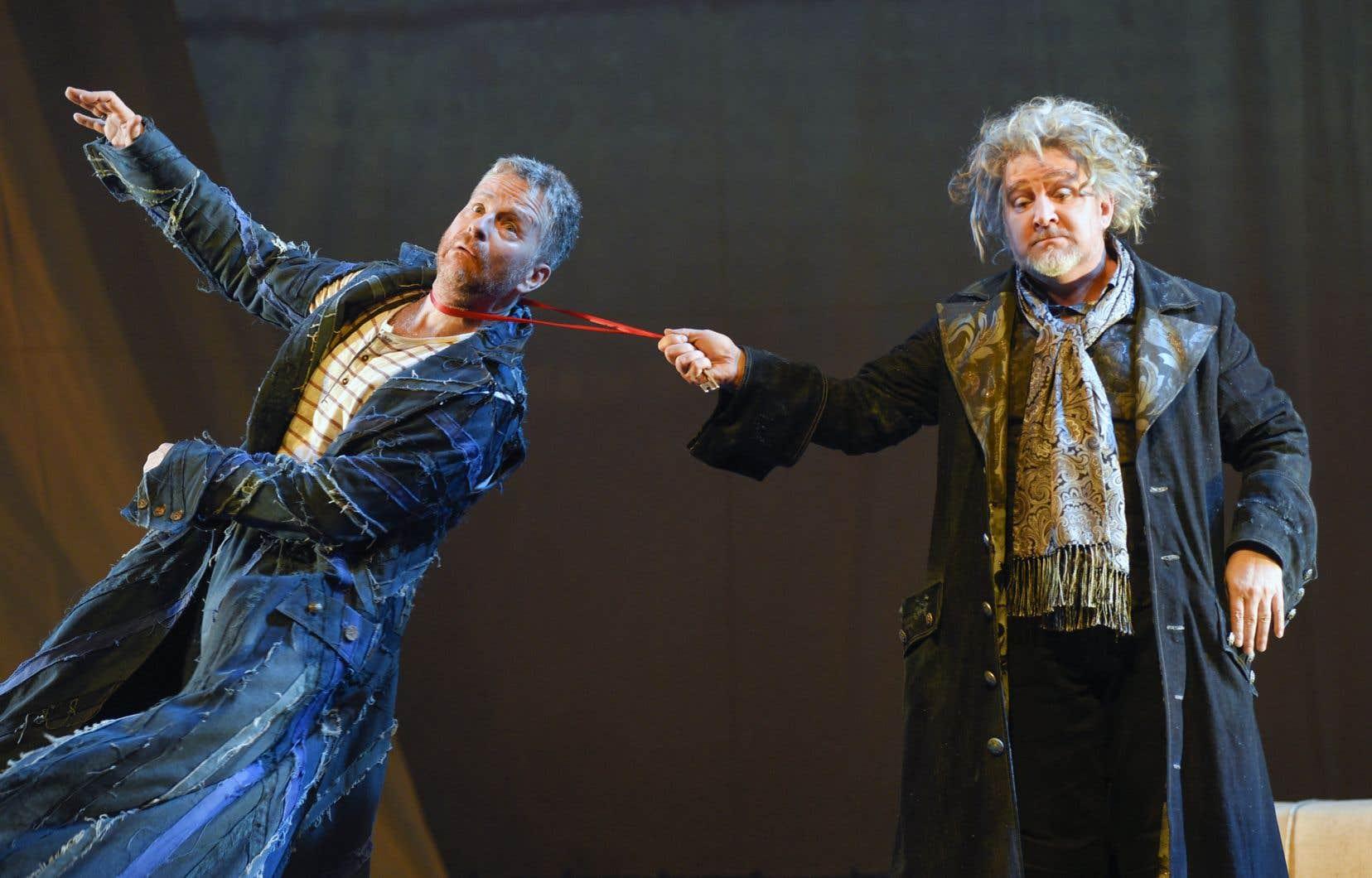 Le drôle de Benoît Brière (à droite) en Géronte est irrésistible et en Scapin, André Robitaille réussit à être agile autant dans les manigances que dans la répartie du personnage.