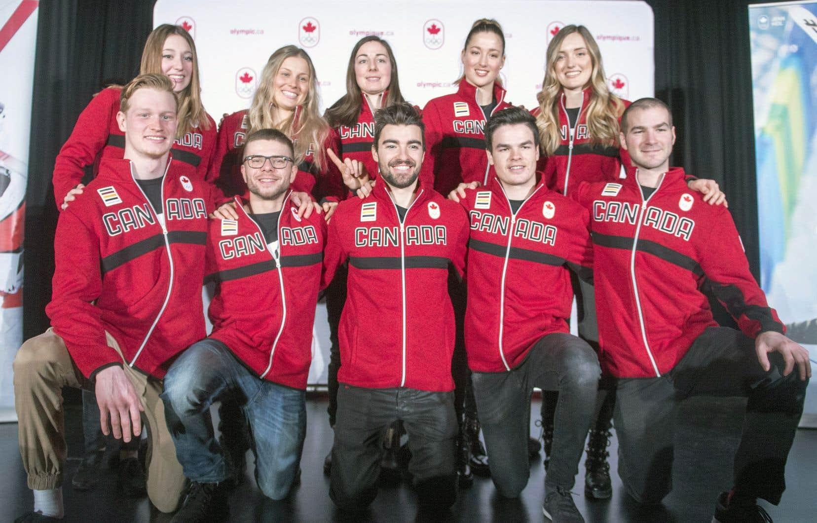 Les athlètes de la délégation canadienne ont été présentés aux médias à Montréal, lundi.
