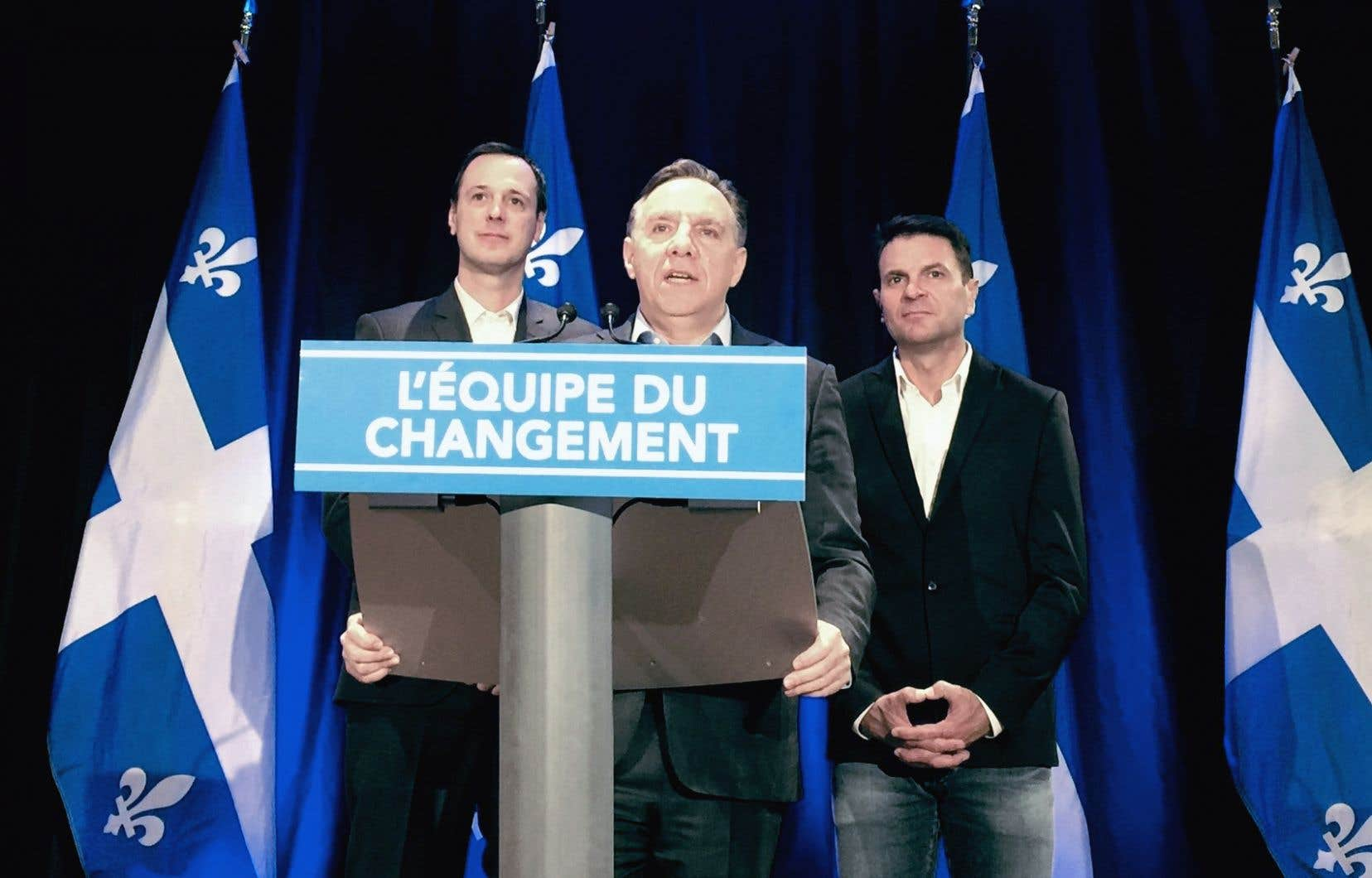 «Tout le monde va avoir des baisses», s'est félicité le chef caquiste François Legault à l'issue du caucus présessionnel de son parti.