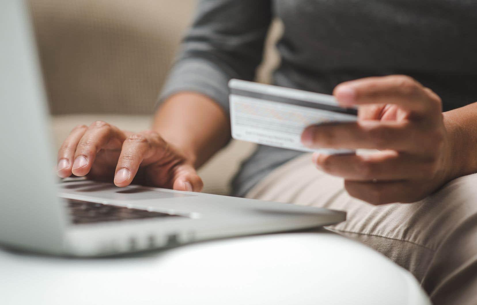 Tous les achats par Internet effectués depuis le Canada aux États-Unis et dont le montant est inférieur à 20$ sont exemptés de droit de douane comme des taxes à la consommation. Les États-Unis voudraient voir augmenter ce «seuil de minimis» à 800$.
