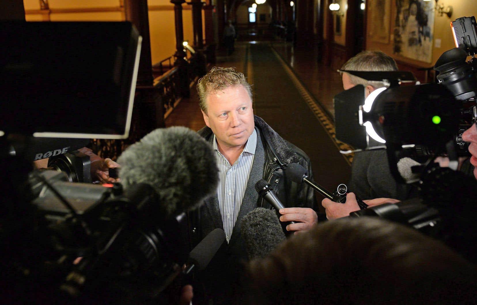 Le président du parti, Rick Dykstra, a indiqué qu'il n'avait pas encore établi d'échéancier fixe pour la course à la direction.