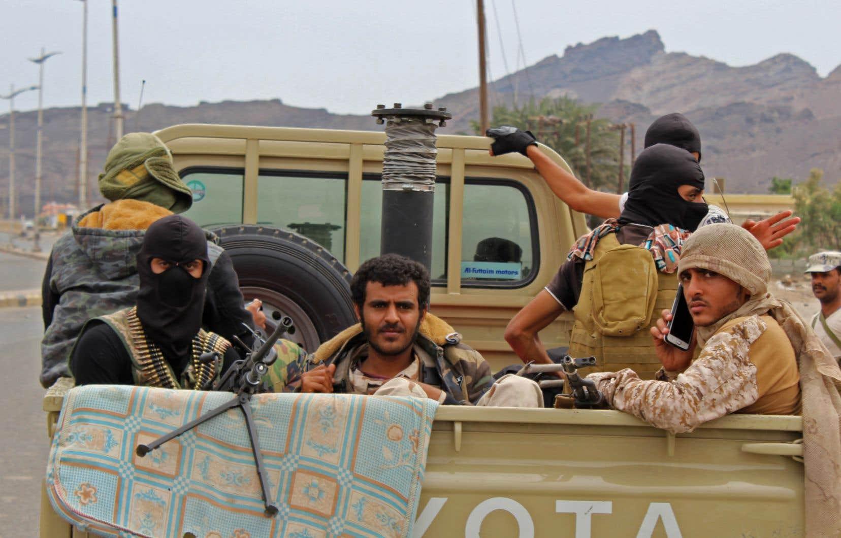 Pour la deuxième journée d'affilée, la ville d'Aden, dans le sud du Yémen, a été le théâtre de violents combats lundi entre forces séparatistes et militaires gouvernementaux.