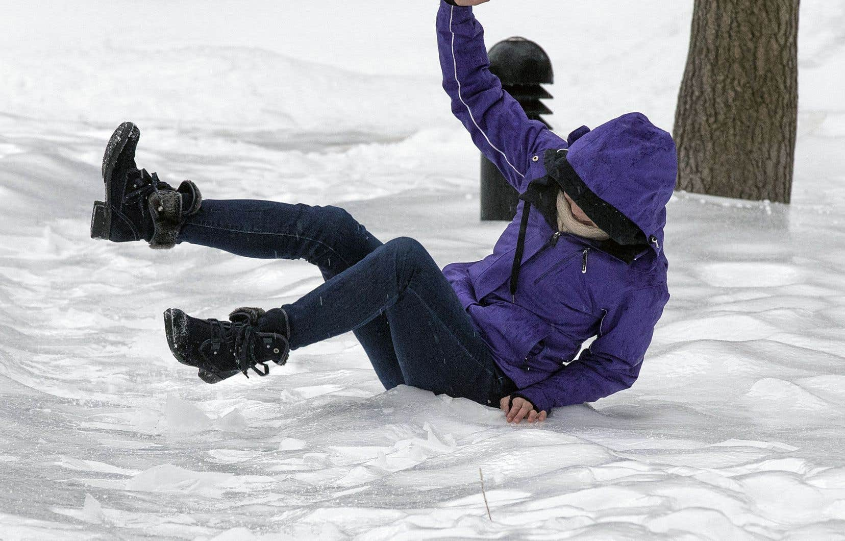 La succession d'épisodes de pluie et de grands froids ont donné du fil à retordre aux piétons montréalais depuis le début de l'hiver.