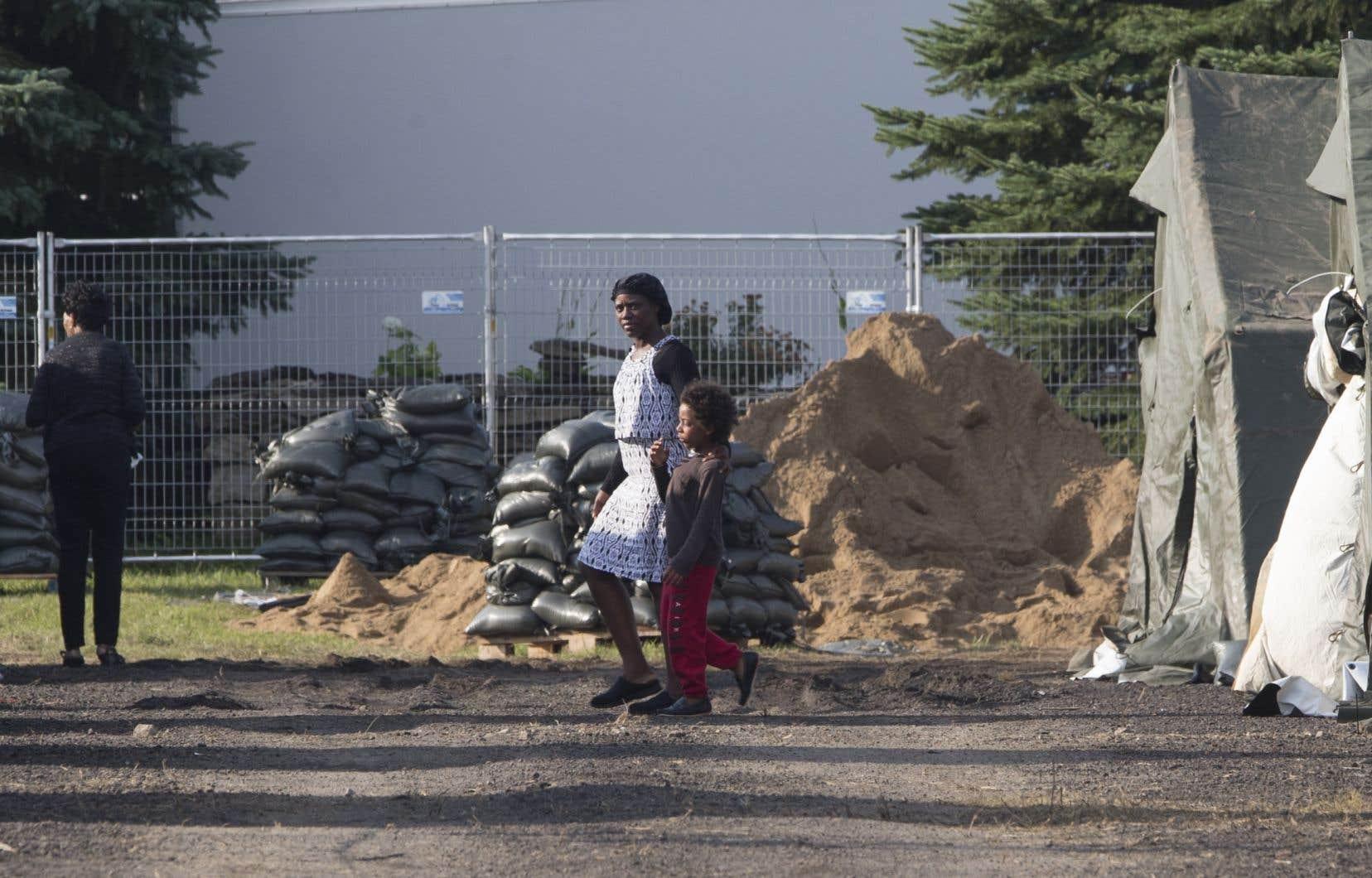 Arrivée massive d'immigrants à Saint-Bernard-de-Lacolle