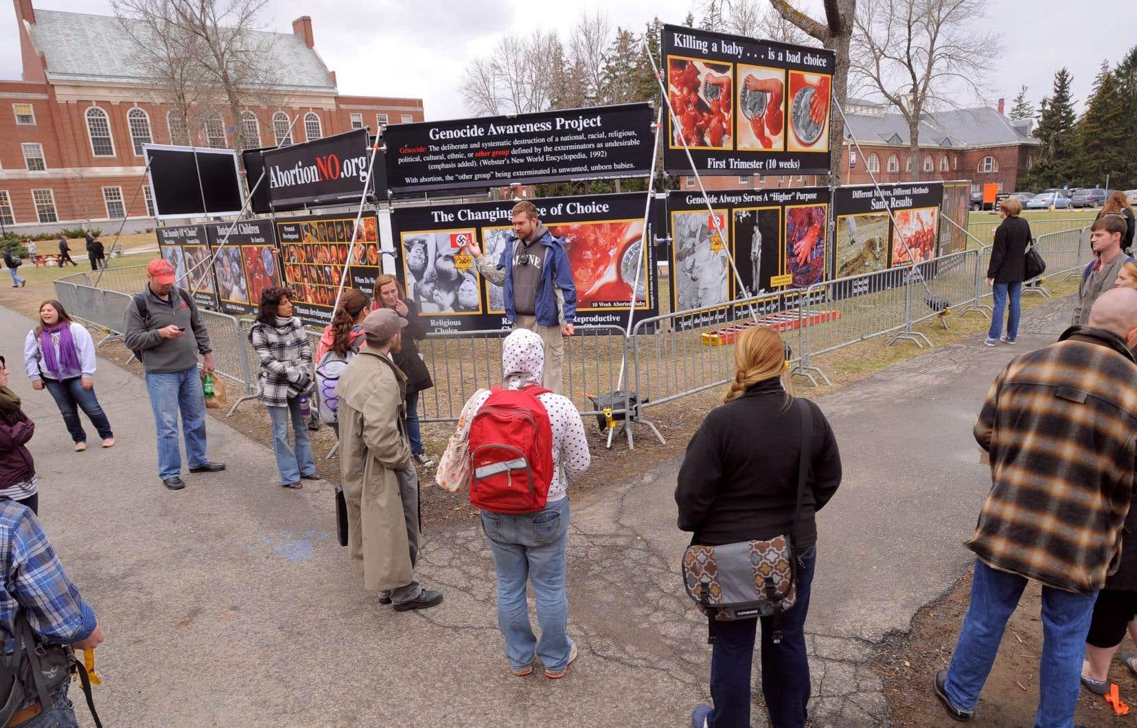 Ottawa a resserré les règles en décembre après qu'il a été révélé que le programme avait versé près de 57 000$ au Canadian Centre for Bio-Ethical Reform, un groupe pro-vie qui distribue des images de fœtus avortés sur la place publique.